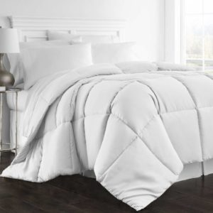 Beckham Hotel Collection 1300 Series All Season Luxury Goose Down Alternative Comforter