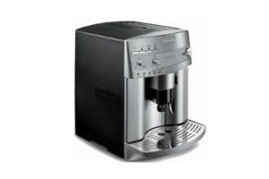 DeLonghi ESAM3300 Magnifica Super-Automatic EspressoCoffee Machine