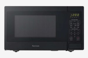 Kenmore 70719 Small 700W Countertop Microwave, 0.7 Cu. Ft.